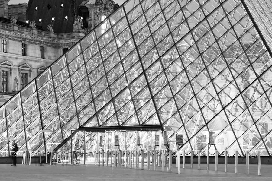 pyramide glowing